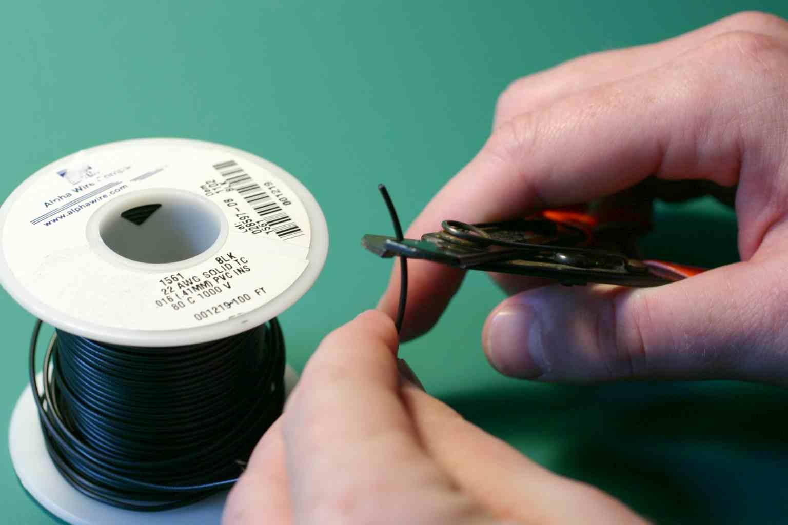 Wiki: Making Jumper Wires